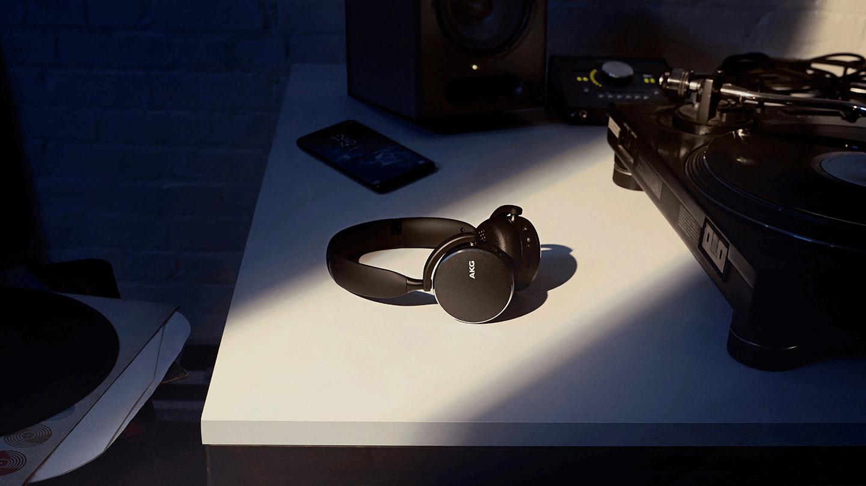 AKG Headphone Y500 ambient