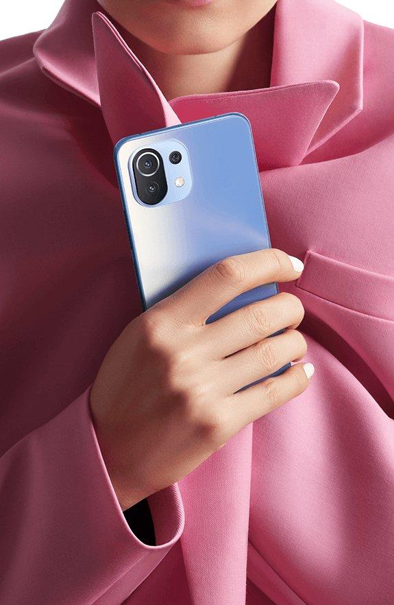 Xiaomi 11 lite blue color